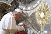 papa-in-adorazione